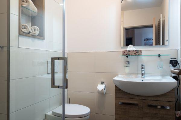Waschbecken im Apartment Pader